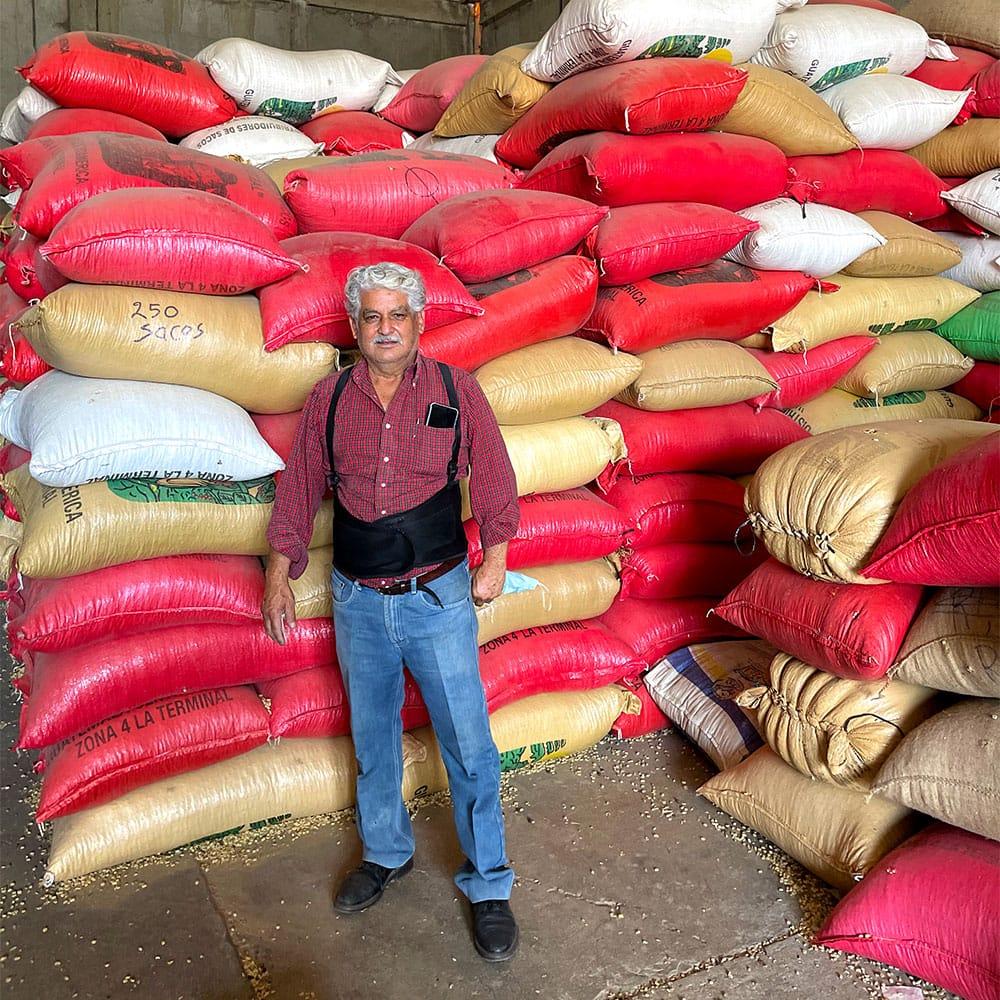 12 pequeños productores y un gran café de Mario Recinos